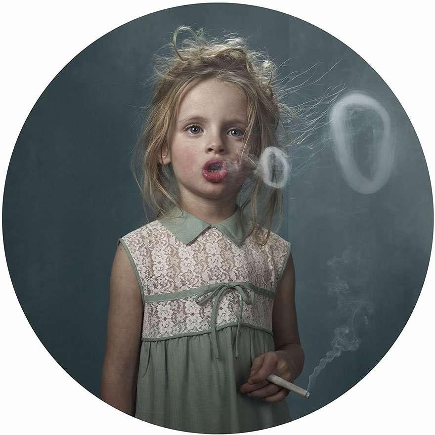bambini fumano
