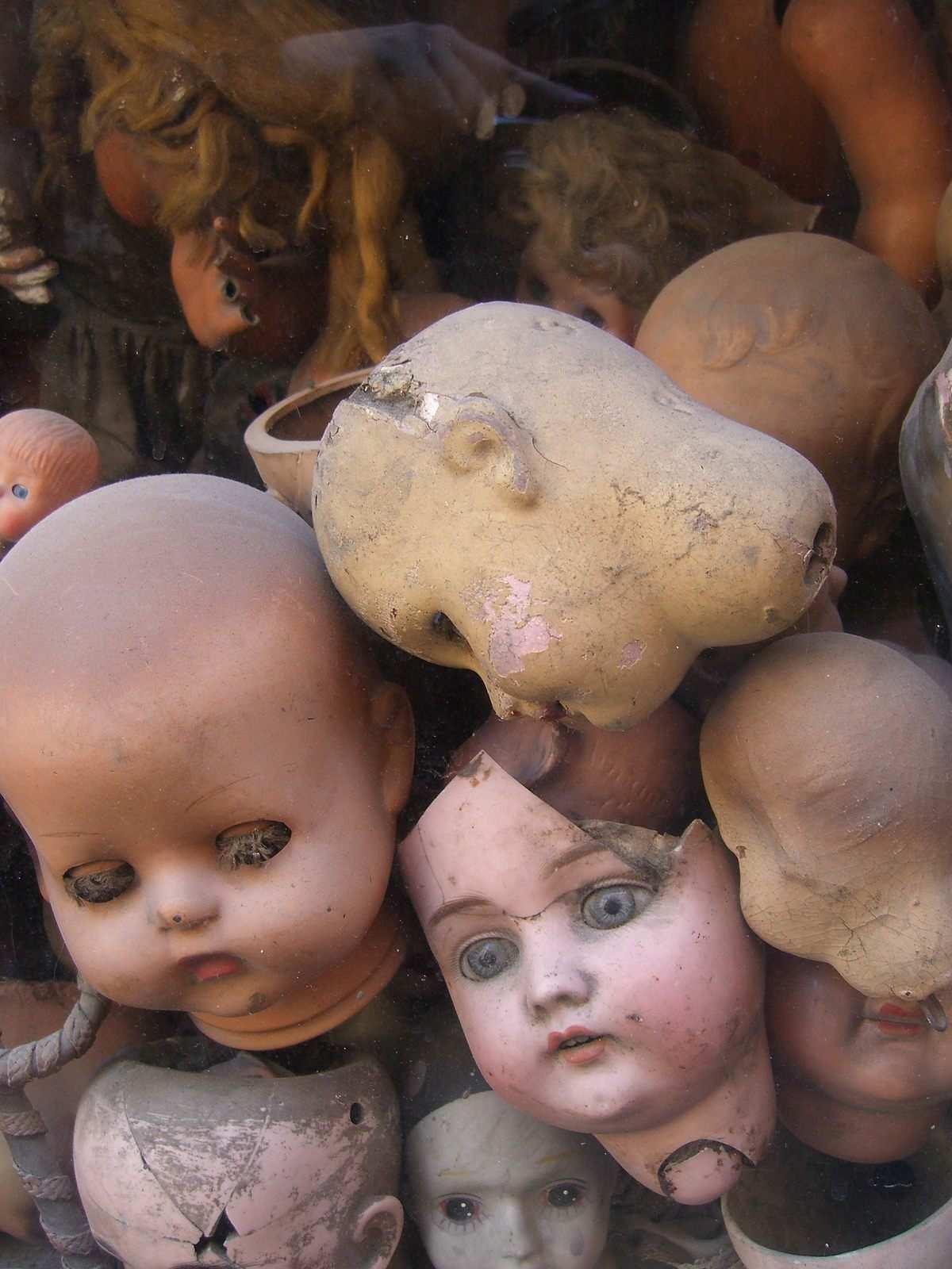 L'ospedale delle bambole di Roma. Il posto da infarto che ridà vita alle vecchie bambole