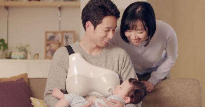 Anche gli uomini possono allattare grazie a un seno artificiale creato in Giappone