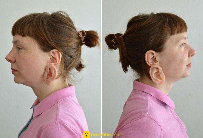 Orecchini a forma di orecchio e anelli a forma di dita.