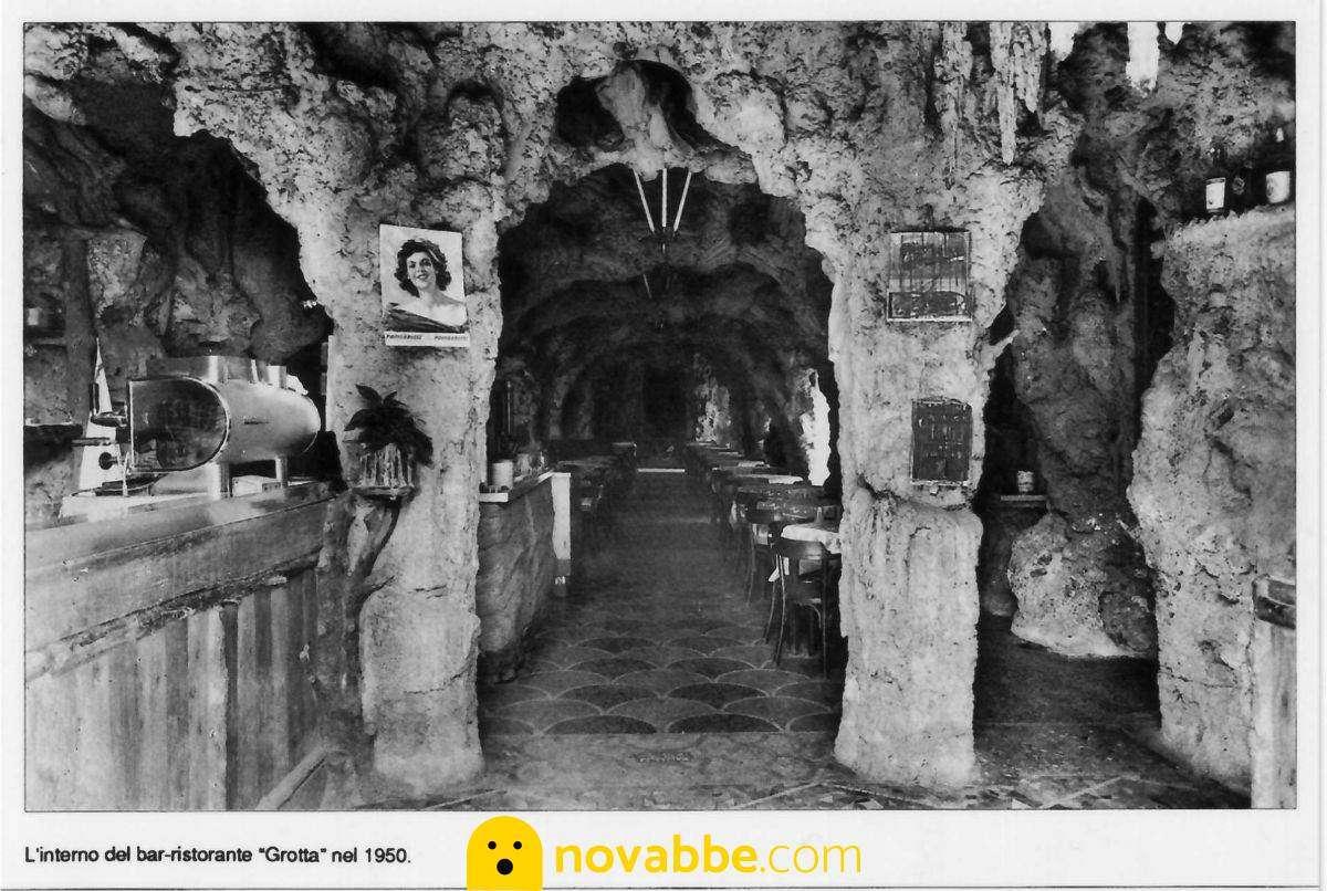 La Grotta, il ristorante Genovese ricavato da una grotta con un laghetto all'interno