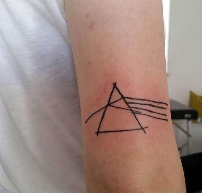 Realizza tatuaggi fatti male ed è ricercatissima proprio per questo. La storia di Helen Fernandes