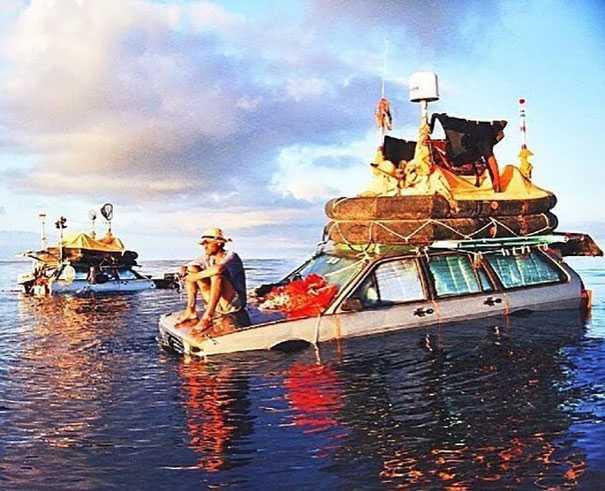 Nel 1999 due italiani attraversarono l'oceano Atlantico usando delle auto galleggianti