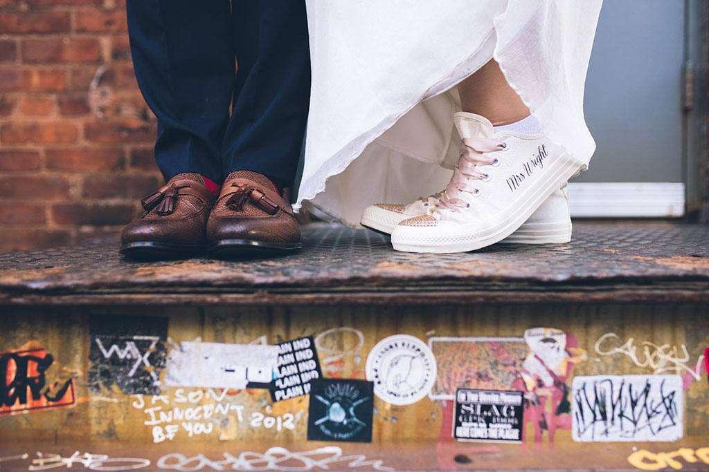 Converse ha lanciato le sneakers da Sposa. Addio dolore ai piedi e ...